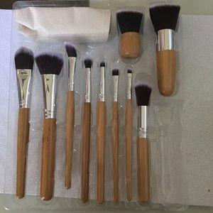10 piece brush set NIB.